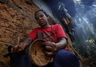 Един опасен занаят из дебрите на Шри Ланка