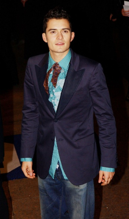 - Орландо Блум е роден на 13 януари 1977 г. в Кентърбъри, Кент, в семейството на Соня Копланд и Хари Блум. Баща му е роден в Южна Африка, работи като...