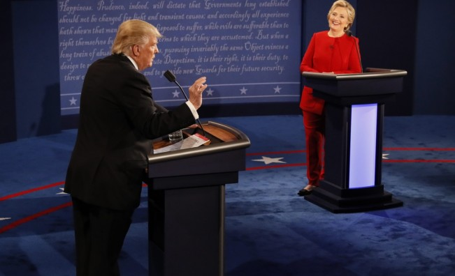 Клинтън отвя Тръмп на първия ТВ дебат, кой се изложи