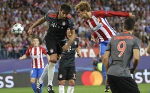 Байерн мина Барселона по владение на топката