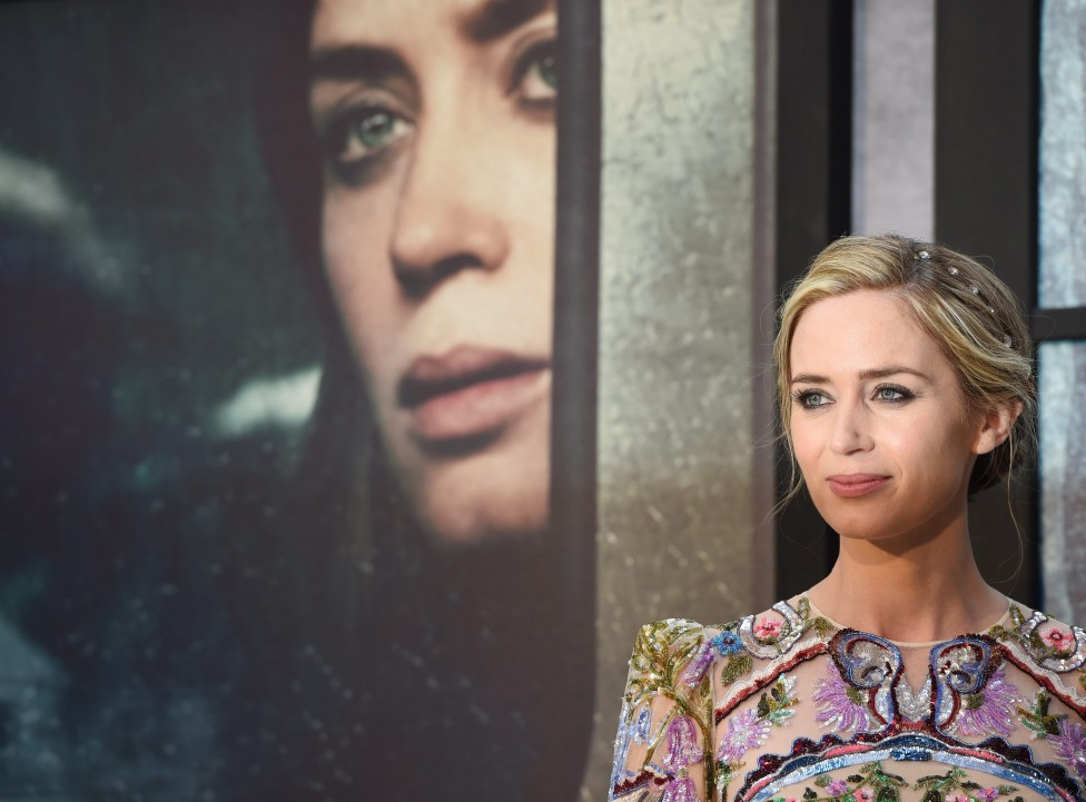 - Холивудската актриса Емили Блънт е имала много трудно детство, което е оставило отпечатък в съзнанието ѝ и до днес, разкри самата тя пред списание...