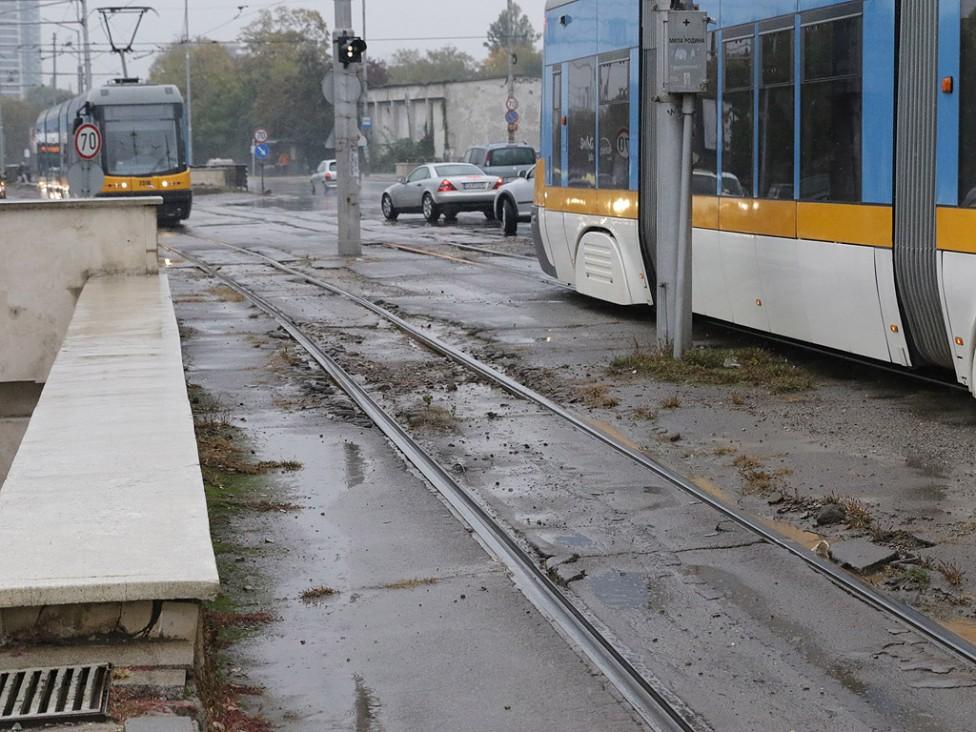 - От спирка до спирка има разлика, дори и когато са една след друга на трамвайното трасе на бул. България