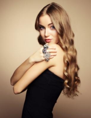 Избягвайте директния досег на бижутата с парфюм и лак за коса