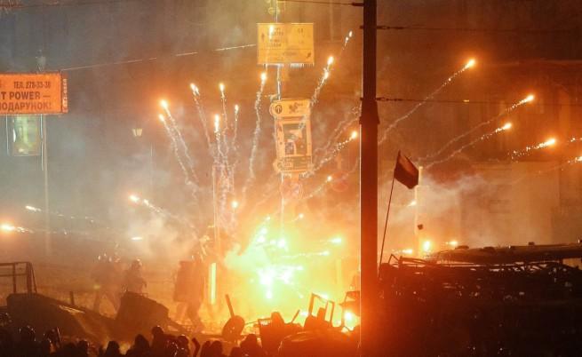 Над 100 пострадали на протеста в Киев, повече от 30 са арестувани