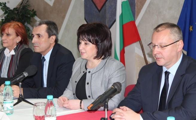 Орешарски и Станишев: Реиндустриализираме икономиката