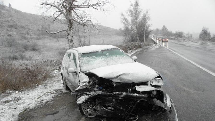 Жена пострада при катастрофа на Е-79 край Дупница