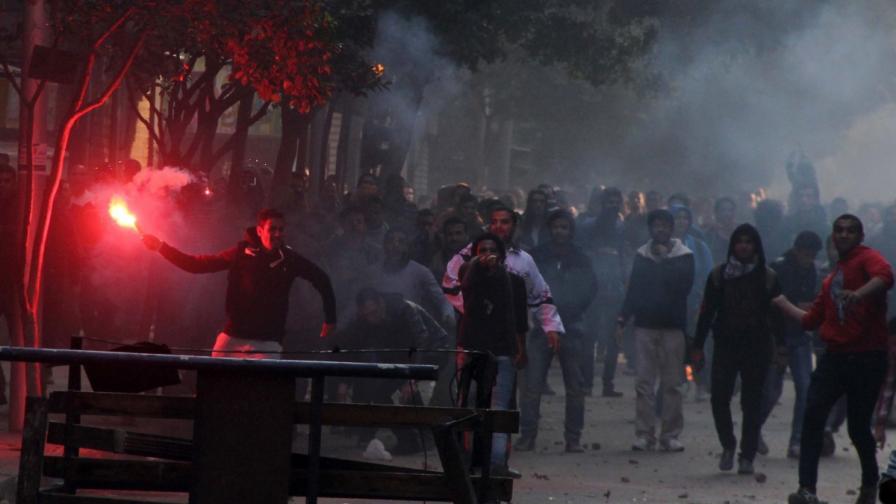 Десетки загинали при сблъсъци в Египет