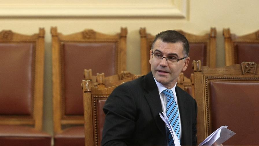 """24 часа"": България отново иска рейтингови доклади от ""Фич"""