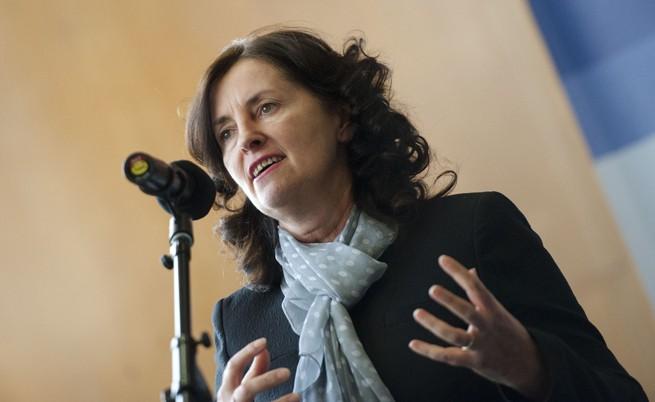 Даниела Бобева: Бизнесът и икономиката се нуждаят от стабилност и реформи