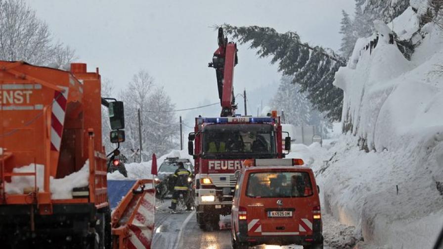 Хиляди блокирани от снега в  Сърбия