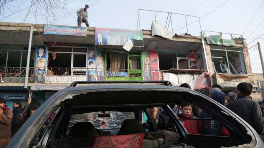 Атентат с кола бомба в Ливан, поне трима убити