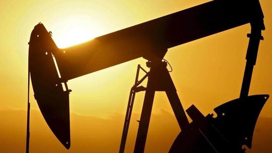 Петролът поевтиня до 96,43 долара за барел