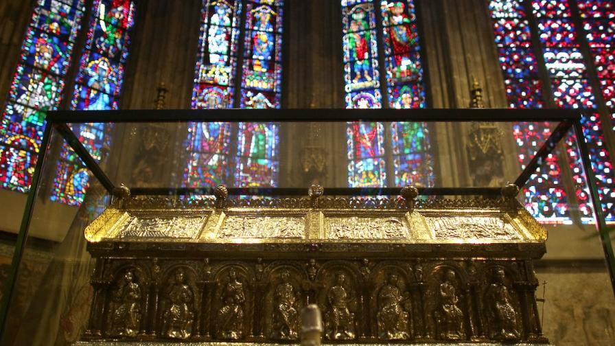 Учени: Костите в катедралата в Аахен са на Карл Велики