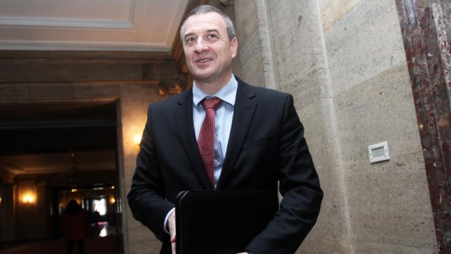 Йовчев: Имам пари в ПИБ, категорично няма да ги тегля