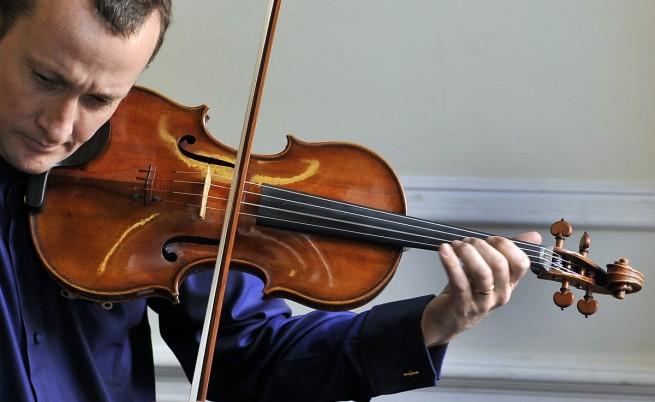 Трима арестувани за кражбата на цигулка