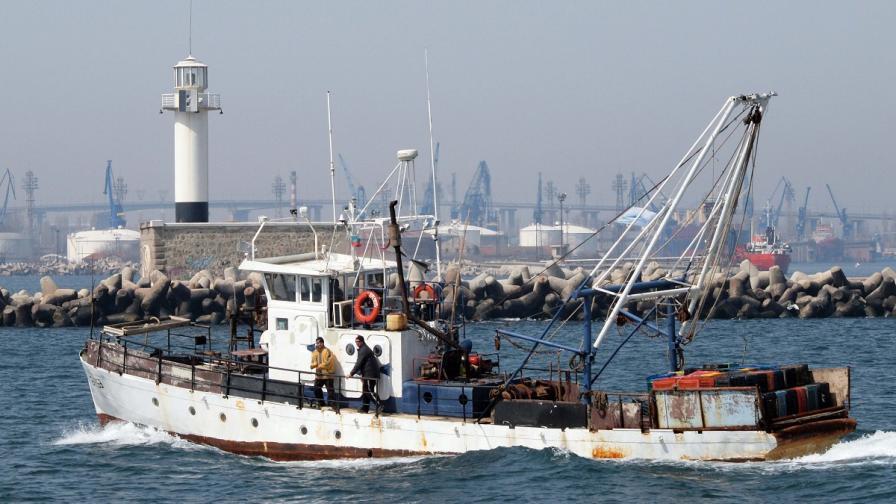 Спасиха бедстващ кораб край Дуранкулак