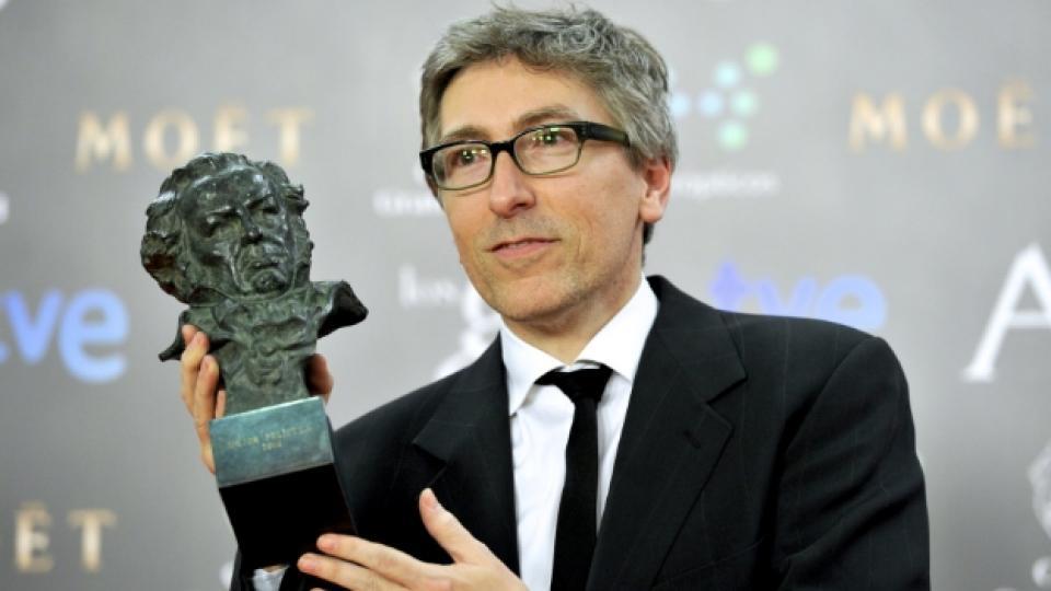 """Давид Труеба с една от наградите си """"Гоя"""""""