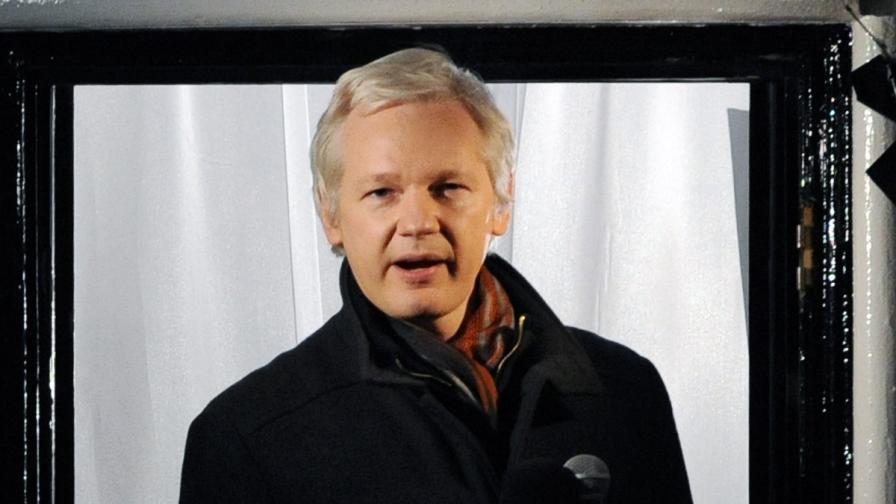 """САЩ сложили Джулиан Асандж в списък с членове на """"Ал Кайда"""""""