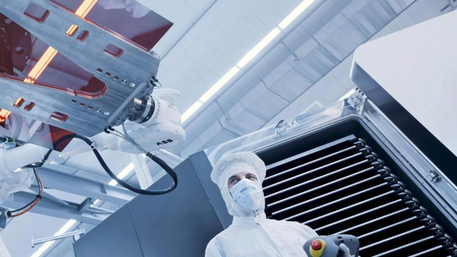 Учени разработиха най-бързия нанодвигател