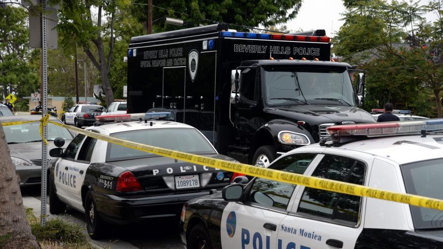Лекар стреля по колеги в болница в Ню Йорк, убива и ранява