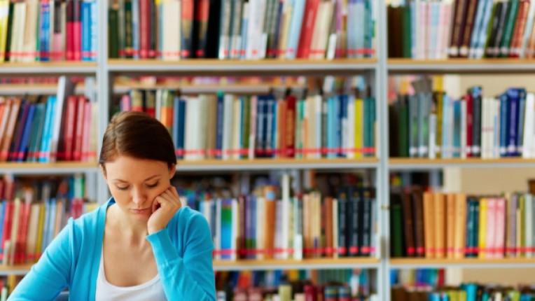 частна библиотека книги инициатива четене свободно време семейство