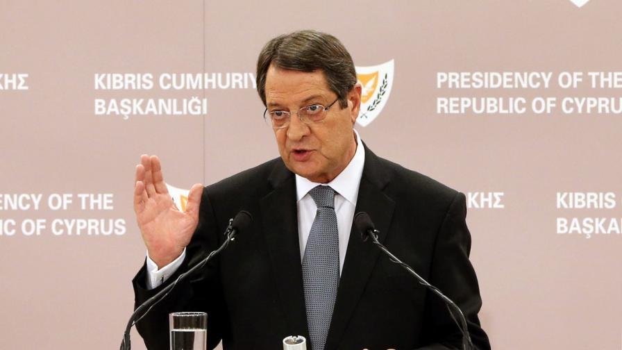 Всички министри в правителството на Кипър подадоха оставки