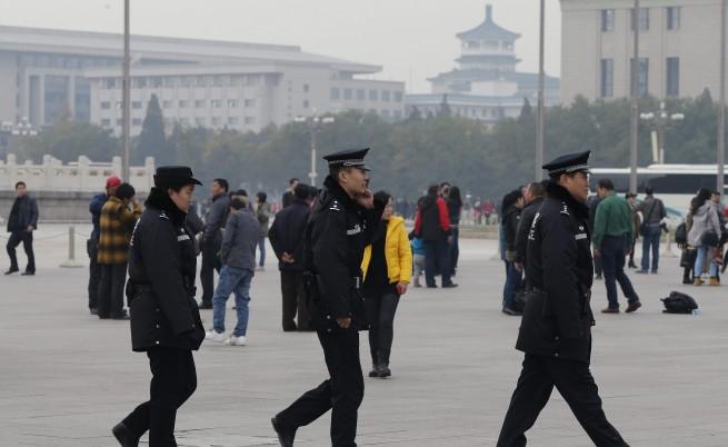 27 загинаха, 109 са ранени при атентат на жп гара в Китай