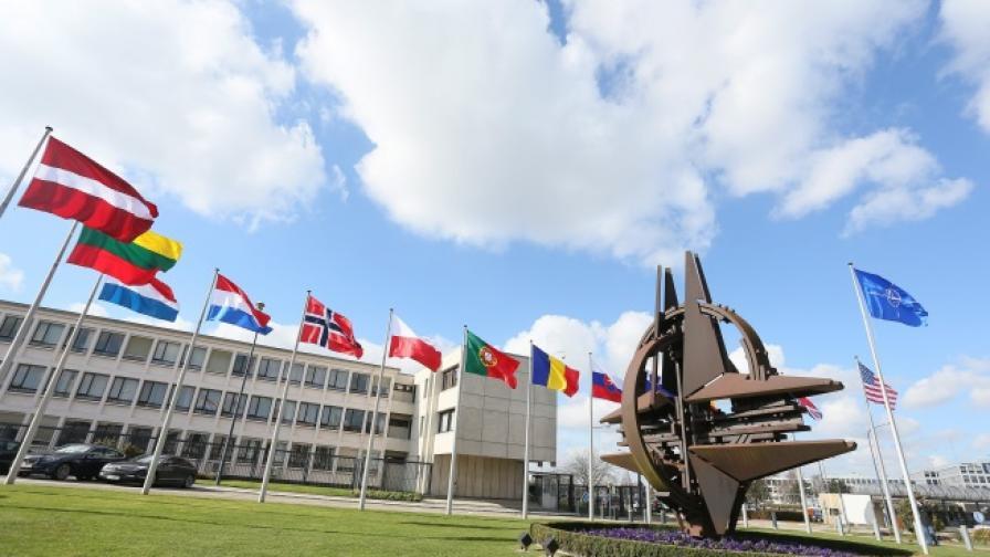 НАТО: Русия продължава да нарушава суверенитета на Украйна