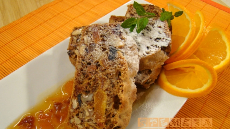хляб сладкиш топинг портокал кафява захар сушени плодове десерт