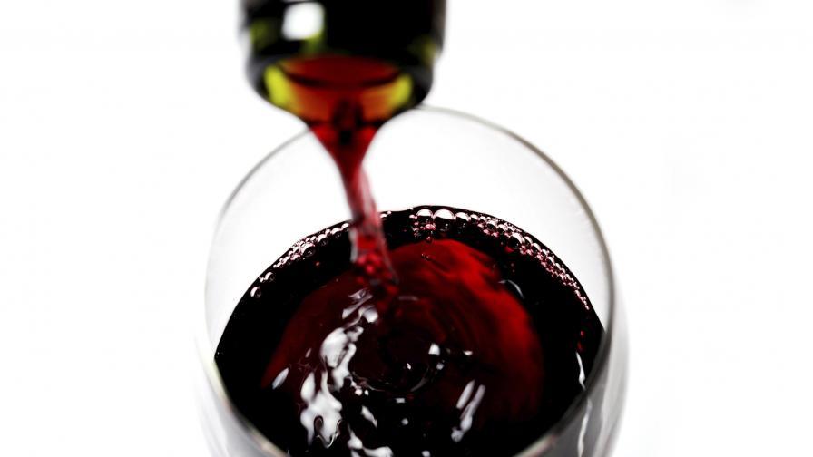 Защо чаша вино преди лягане може да доведе до безсъние