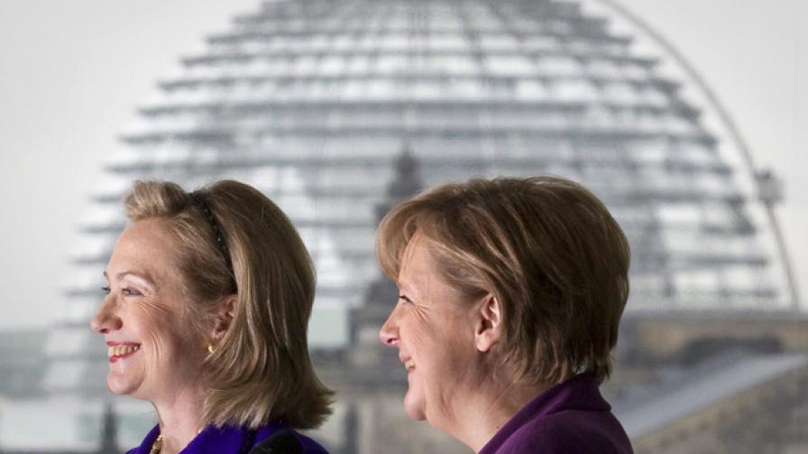 Две от най-влиятелните жени в съвременната политика - Хилъри Клинтън и Ангела Меркел