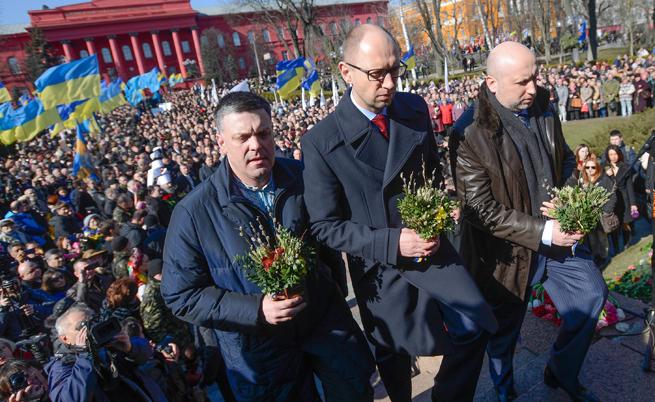 Яценюк: Няма да отстъпим и сантиметър от територията си
