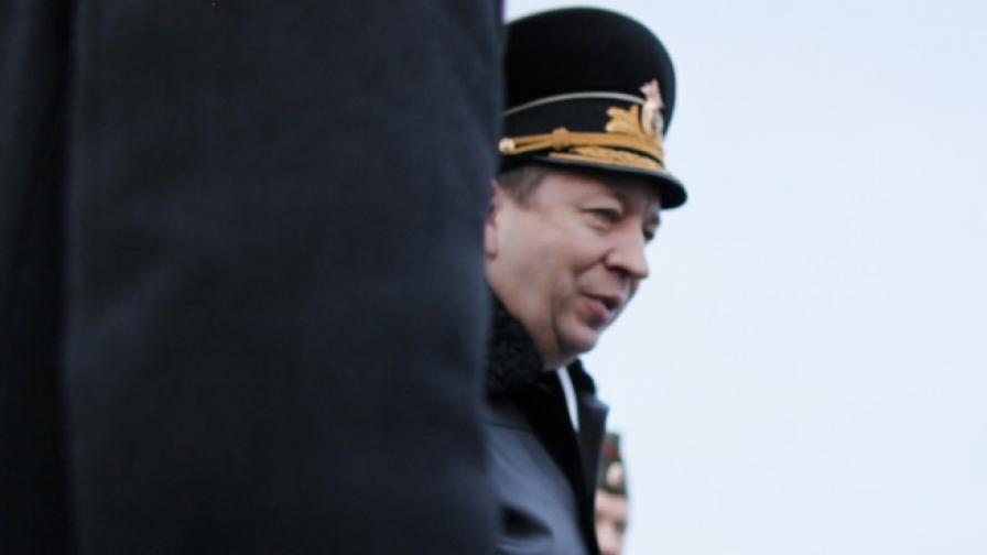 Русия стовари десант с бойна техника в Арктика