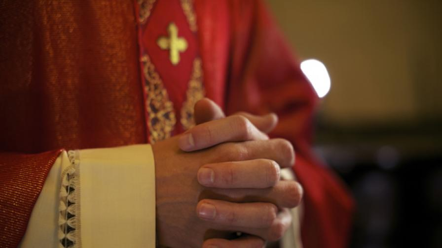 """Светещата Богородица"" в Белгия - чудо или просто наука"
