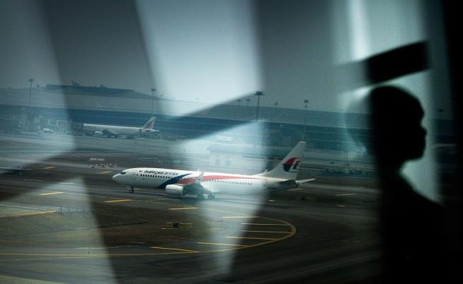 Седем водещи теории за изчезването на Полет 370