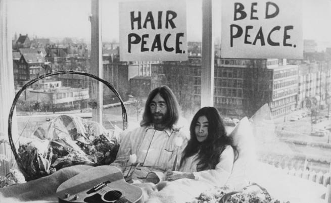 Джон Ленън и Йоко Оно щяха да празнуват днес сапфирена сватба