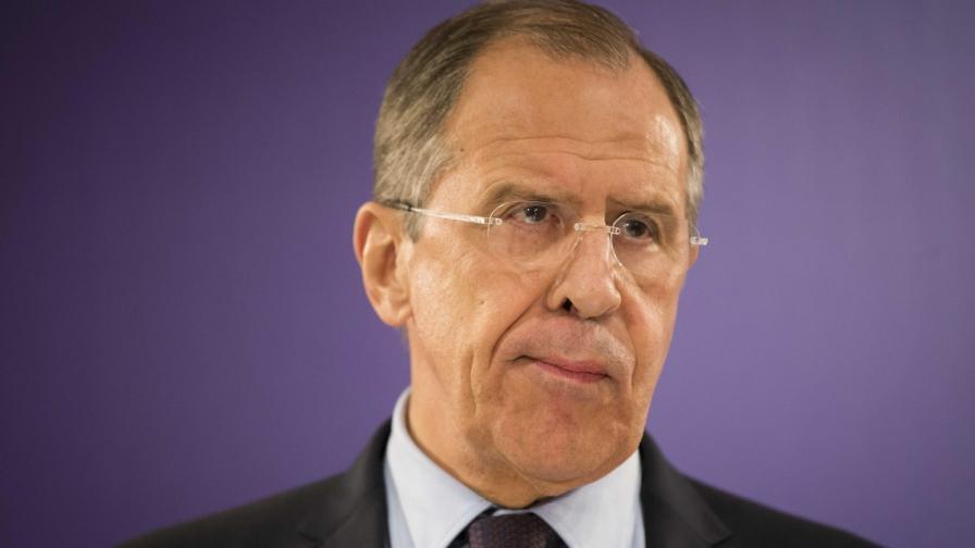Лавров: Няма да пресичаме границата с Украйна