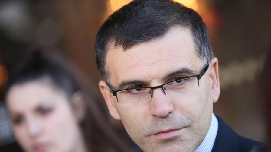 Дянков раздал 52 млн. лв. бонуси през 2012 г.