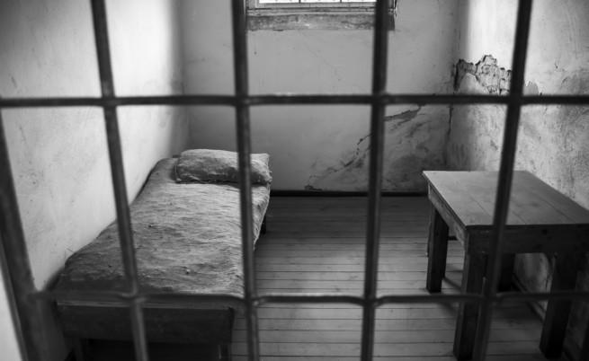 Защо чистачка гони бегълците от Софийския затвор
