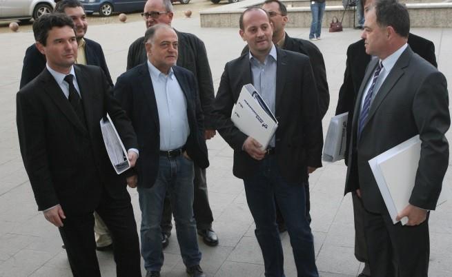 Лидери на Реформаторския блок с документите за регистрация в ЦИК