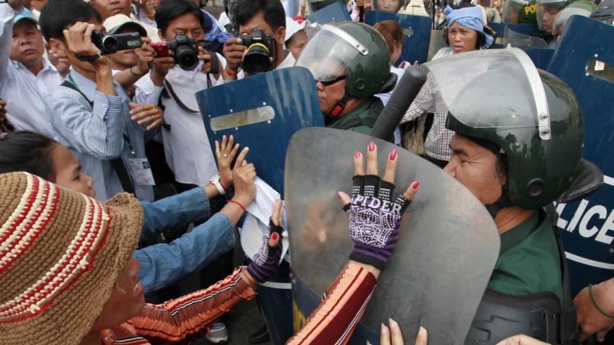 При протести на текстилни работници в началото на годината загинаха четирима души