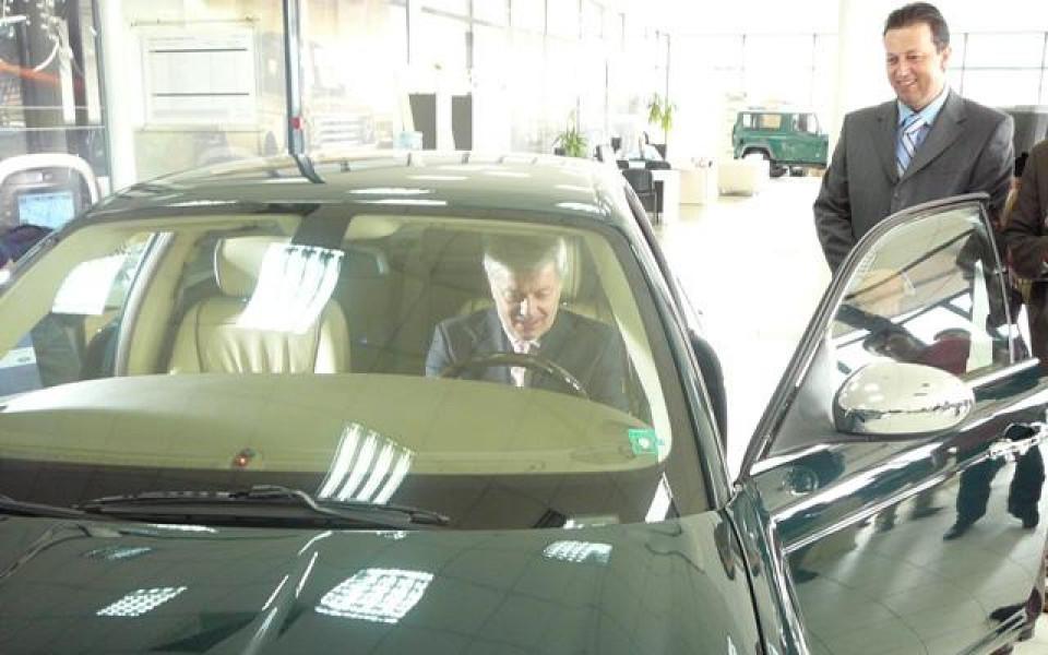 Вальо Михов подкара нов Jaguar