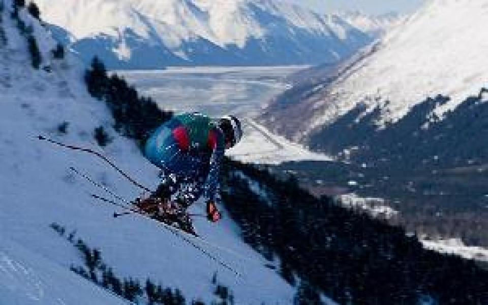 Американски скиор в изкуствена кома след тежко падане