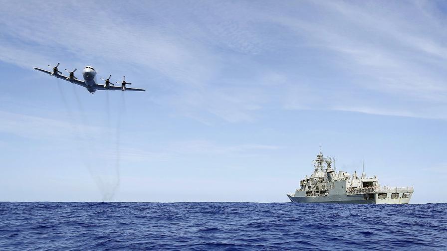 Малайзия: Помощник-пилотът на самолета не е звънял по мобилния