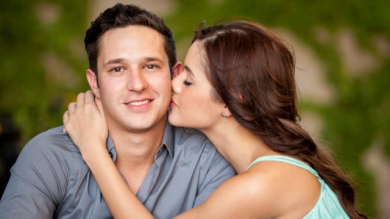 двойка щастие любов връзка целувка