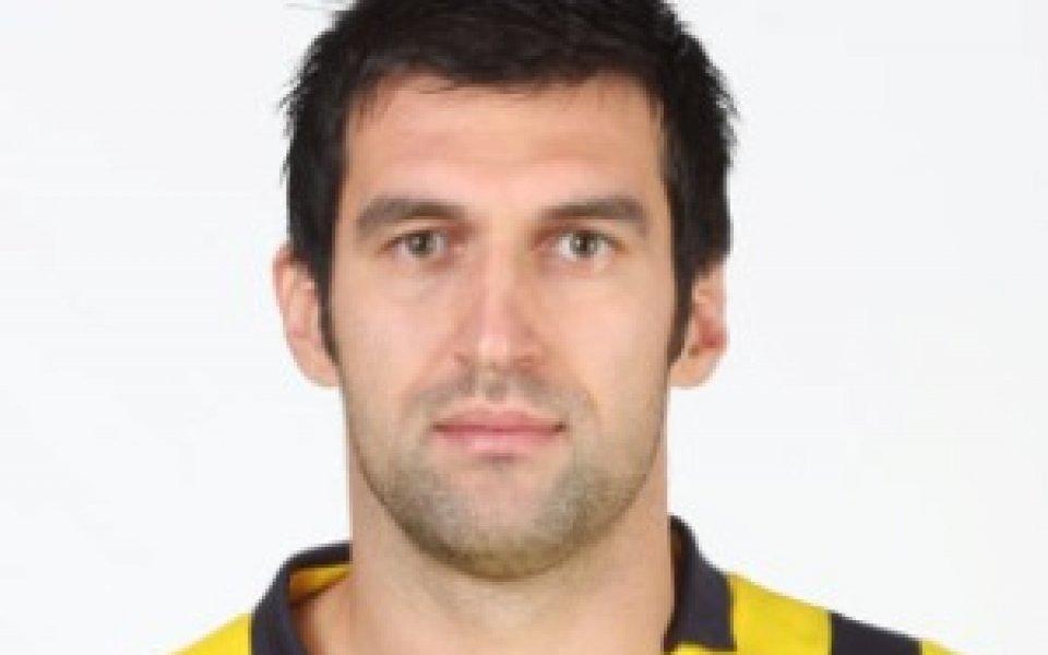 Астерас търси нов отбор на Мартин Камбуров
