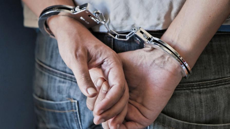 Арест за капитана на потъналия южнокорейски ферибот, зам.-директор се самоуби
