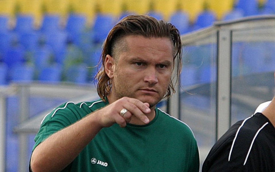 Велизар Попов не е временен треньор на Черно море