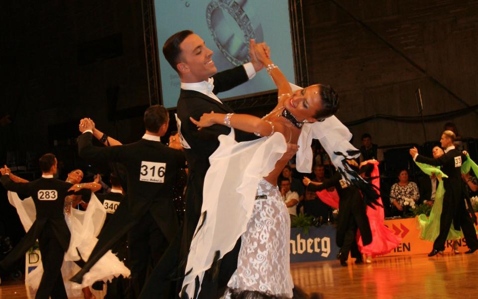 Нов успех за българските спортни танци