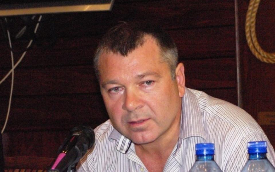 Феновете на Черноморец: Г-н Събев, действайте или продайте клуба